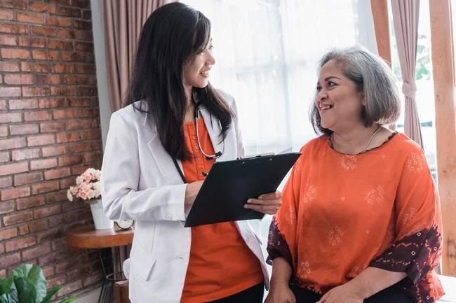 Memahami Peranan Doktor Geriatrik untuk Membantu Kesihatan Warga Emas